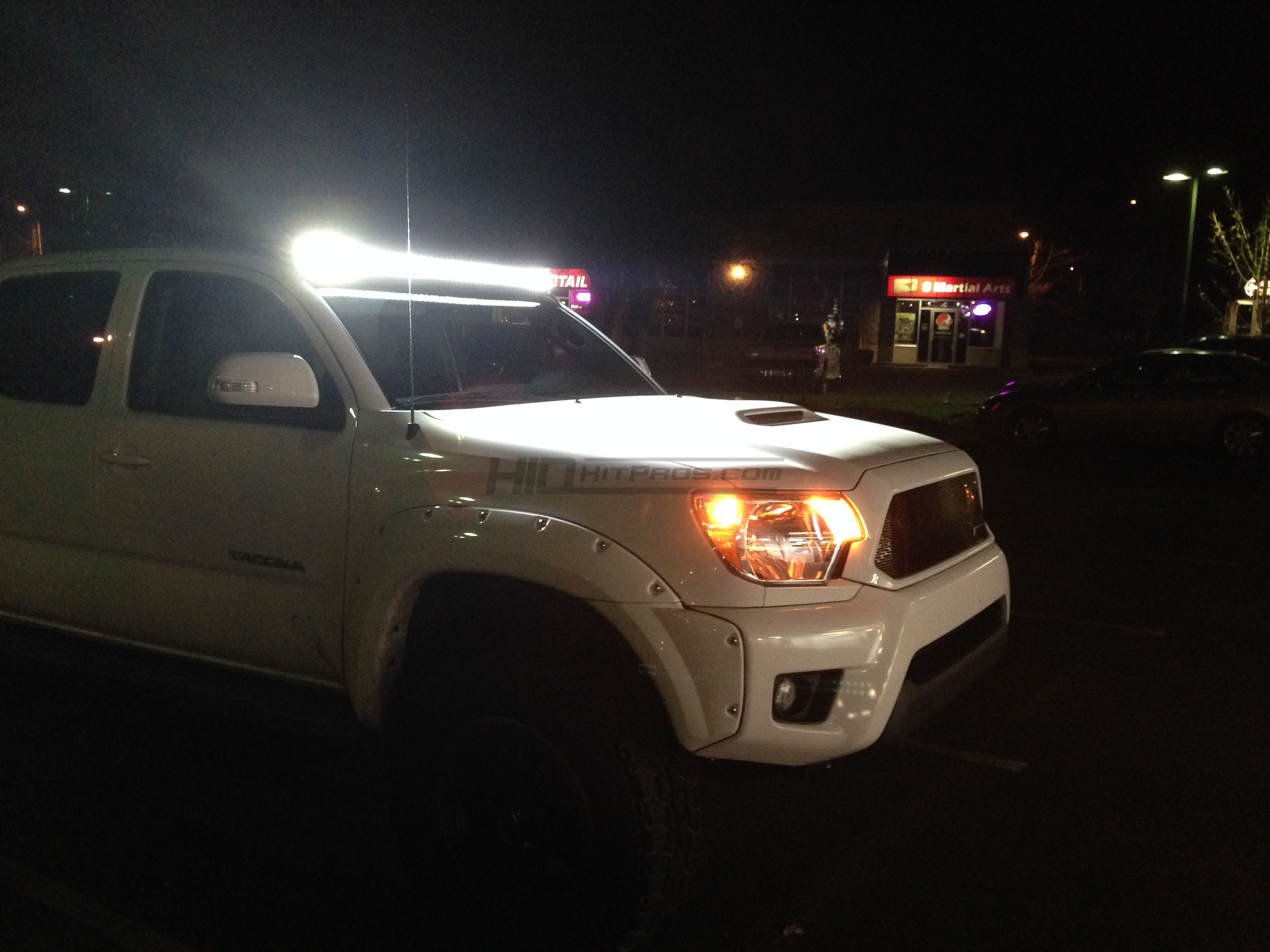 2005 2018 toyota tacoma 50 light bar roof brackets hid kit pros 2015 toyota tacoma 50 inch totron curved cree led light bar mounted on roof mozeypictures Images